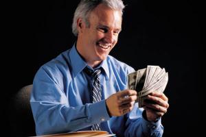 Man-Holding-Cash1